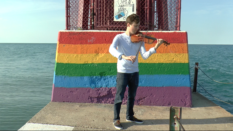 VIDEO: After coming out as gay, this Russian violinist can't